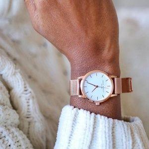 Eddi Gorbo gold watch so cute